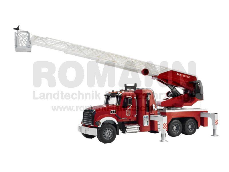 MACK Granite Feuerwehrleiterwagen mit Wasserpumpe