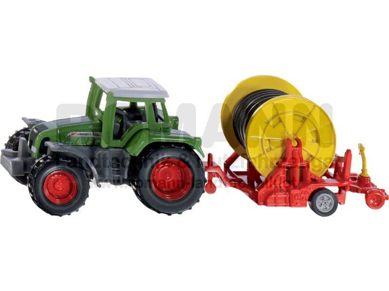 Traktor mit Bewässerungshaspel